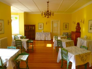 Dining room at Alta Vista