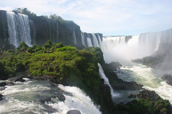 iguazu falls - argentina travel - south america tours vaya adventures