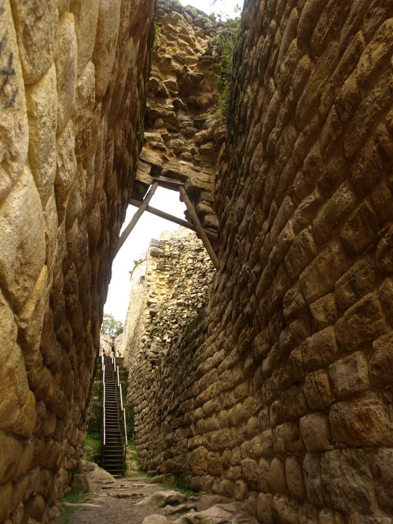 kuelap ruins - pre inca ruins peru - peru tours - vaya adventures