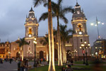 lima2-plaza-del-armas-peru-tours-travel-vaya-adventures