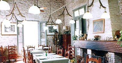 Estancia El Ombu_indoor dining (photo credit El Ombú de Areco)