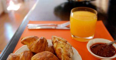 Rendez-Vous Hotel_breakfast