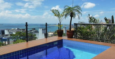 Casa do Amarelindo_pool and bay view