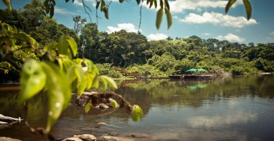 Cristalino Jungle Lodge - River and floating deck