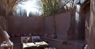 Awasi Atacama_outdoor shower and loungers