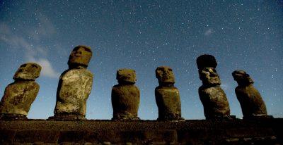 Explora Rapa Nui_Moai statues