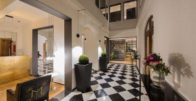 Hotel Magnolia_entryway