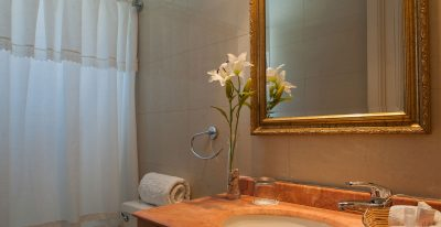 Hotel Orly_bathroom