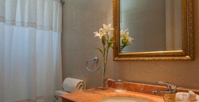 Hotel Orly_bathroom