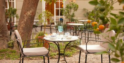 Le Reve Boutique Hotel_courtyard