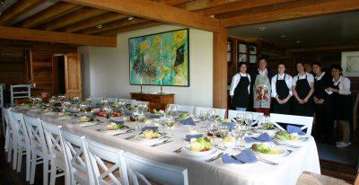 Los Caiquenes_dining