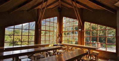 Refugio Los Cuernos_dining