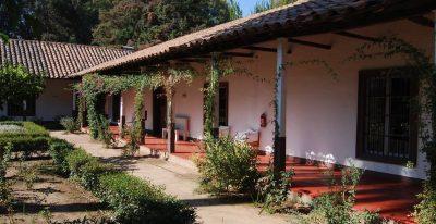Residencia Histórica de Marchihue_courtyard