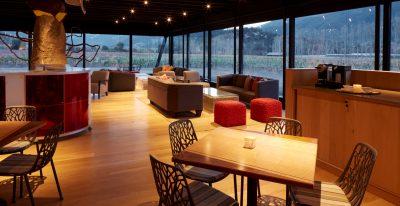 Vina Vik_cafe and lounge