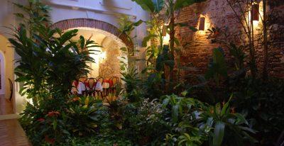 Alfiz Hotel_courtyard