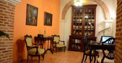 Alfiz Hotel_library