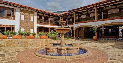Campanario de la Villa_courtyard