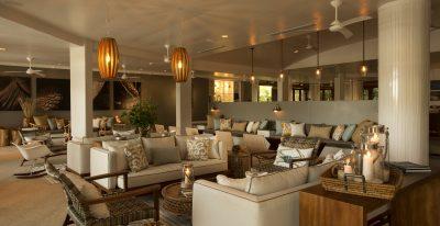 Finch Bay_open-air lounge