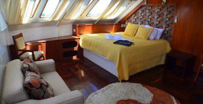 Anahi - Double Cabin