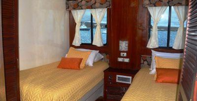 Anahi - Twin Cabin