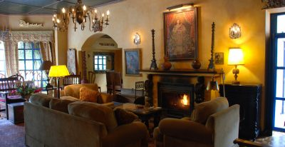 Hacienda Cusin_living room