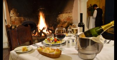 Hacienda Pinsaqui_fireside dining