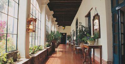 Hacienda Pinsaqui_passageway