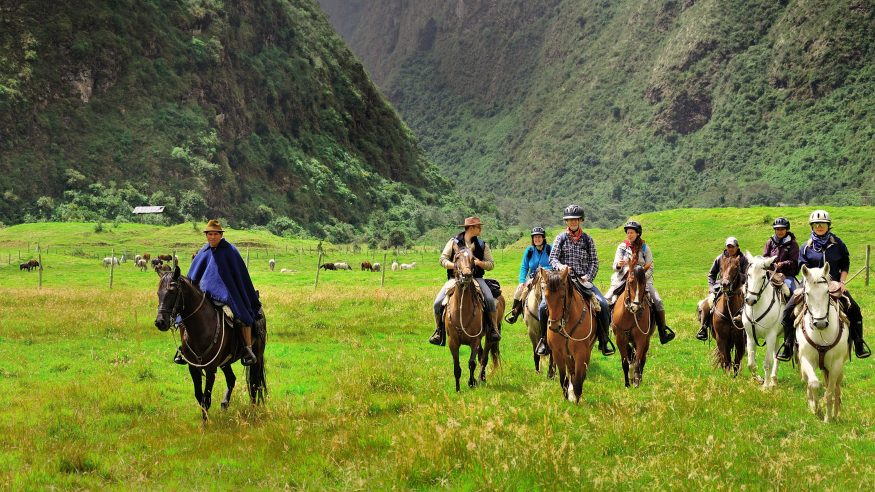 Hacienda Zuleta_horseback riding