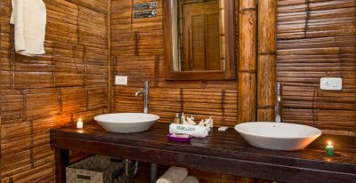 La Selva Lodge_bathroom