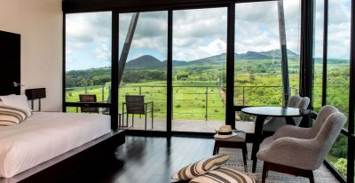 Pikaia Lodge_balcony room