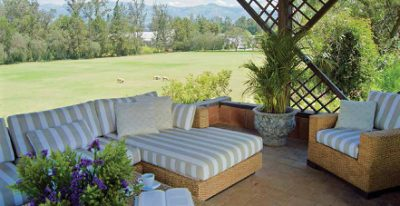 Quito Polo Club_outdoor lounge