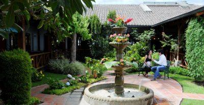 Rincon de Puembo_courtyard
