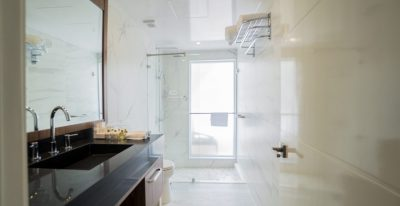 Elite - Golden Suite Bathroom