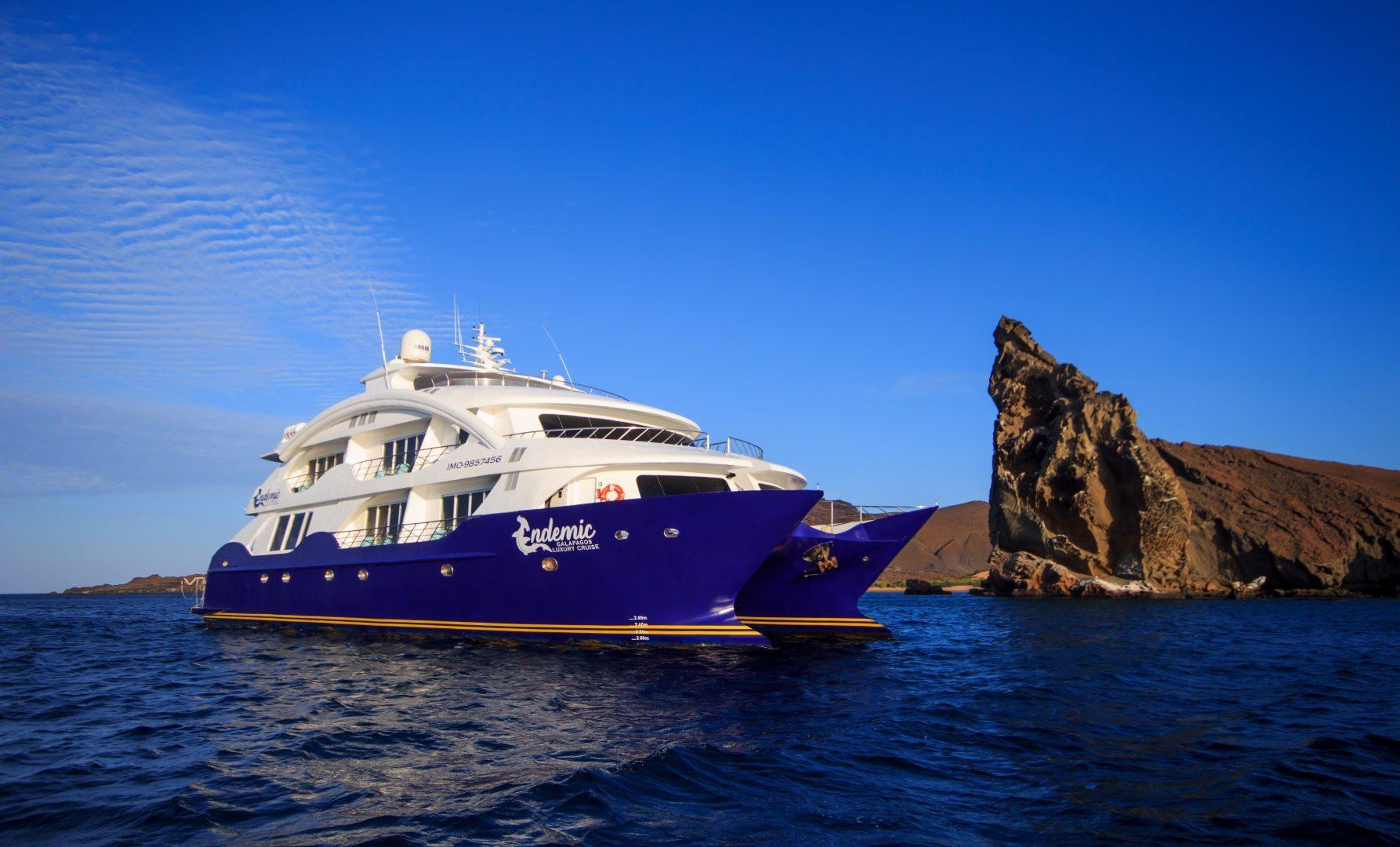 Exploring Galapagos on the luxury catamaran Endemic