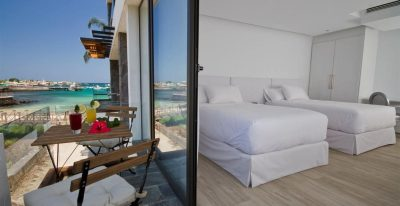 Golden Bay_Double Balcony room