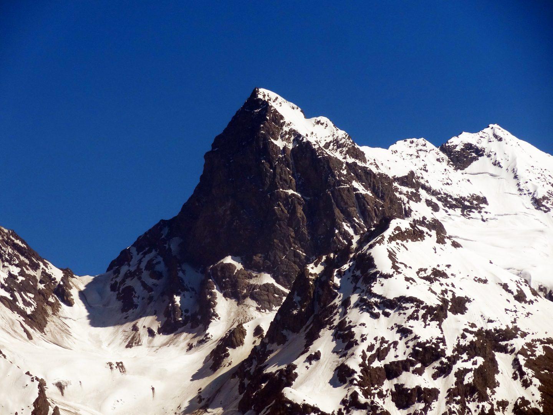 El Morado glaciated peak