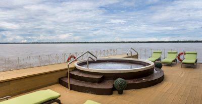 Delfin III_top deck
