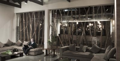 El Mapi_lobby sitting area (photo credit Inkaterra)