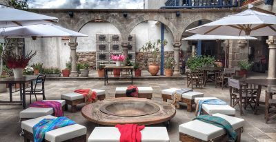 El Mercado_courtyard
