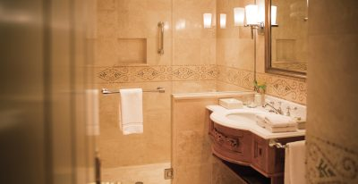Hotel Monasterio_bathroom