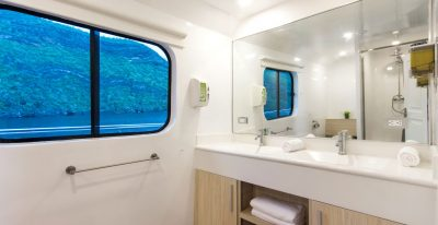 Solaris - Cabin Bathroom