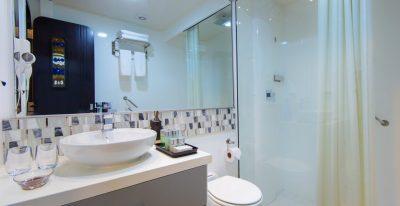 Alia - Bathroom