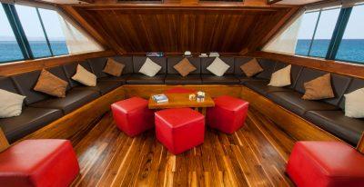 Eric - Lounge Area